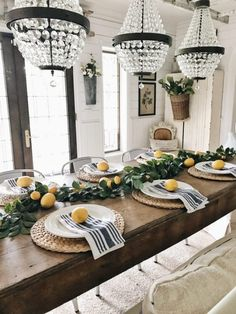 32 Brilliant Farmhouse Dining Room Ideas On A Budget, The kitchen comes with a regal design style, which is definitive of the rest of the home also. As a result, if you'd like to pick a contemporary kitch. Dining Room Table Decor, Decoration Table, Dining Room Design, Room Decor, Dining Rooms, Regal Design, Farmhouse Decor, Farmhouse Napkins, Art Deco