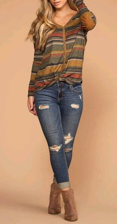 Spice Olive Stripe Button Tie-Front Knit Top Fall Spice Olive Striped Button Up Knit TopFall Spice Olive Striped Button Up Knit Top Fall Winter Outfits, Autumn Winter Fashion, Spring Outfits, Looks Camisa Jeans, Look Fashion, Fashion Outfits, Womens Fashion, Casual Outfits, Cute Outfits