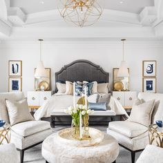 Nightstands, beds, side tables, cabinets or armchairs are some of the luxury bedroom furniture tips that you can find. Every detail matters when we are decorating our master bedroom, right? Master Bedroom Design, Dream Bedroom, Home Bedroom, Modern Bedroom, Bedroom Decor, Bedroom Ideas, Contemporary Bedroom, Master Suite, Master Bedroom Closet