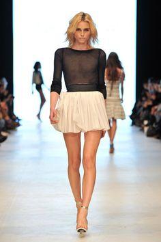 Andrej Pejic - legs go on forever