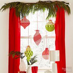 30 Fabulous Christmas Window Decoration Ideas – World Etes Easy Christmas Ornaments, Christmas Window Decorations, Noel Christmas, Simple Christmas, All Things Christmas, Holiday Decor, Xmas, Paper Decorations, Christmas Window Display Home