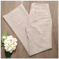 Express editor pants- lightweight Lightweight express editor pants, worn just once. Amazing condition and perfect for the spring/summer season! Beautiful cream/light tan color. 45% polyester 45% viscose 7% linen 3% spandex. Size 8R Express Pants