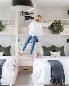 Studio McGee ( built in bunk room Bunk Bed Rooms, Bunk Beds Built In, Boy Bunk Beds, Boys Bunk Bed Room Ideas, Queen Bunk Beds, Bed Ideas, Home Bedroom, Girls Bedroom, Bedroom Decor