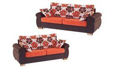 Sofas tapizados en tela de colores combinados. Sofas de diseño moderno y muy actual.