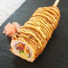 tuna roll corn dog is sushi on a stick First it was the sushiritto . now it's the Sushi corn dog. can it get any better?First it was the sushiritto . now it's the Sushi corn dog. can it get any better? Sushi Recipes, Seafood Recipes, Cooking Recipes, Amish Recipes, Dutch Recipes, I Love Food, Good Food, Yummy Food, Sushi Burger