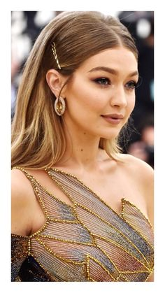"""""""Heavenly Bodies: Fashion and the Catholic Imagination"""" Retro Hairstyles, Formal Hairstyles, Wedding Hairstyles, Gigi Hadid Outfits, Bella Hadid, Models Makeup, Hair Dos, Hair Makeup, Celebs"""