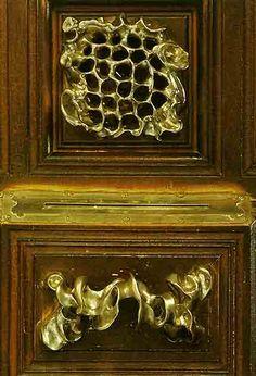 Casa Calvet / hecha por Gaudí / Manilla Puerta de una entrada y mirilla