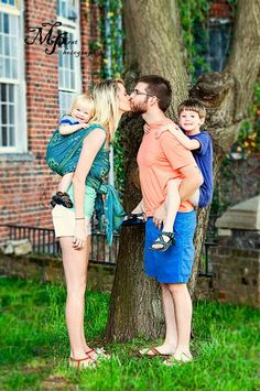 Baby wearing family photo by Muskrat Photography, Cleveland TN