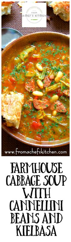 Farmhouse Cabbage Soup with Cannellini Beans and Kielbasa is hearty, rustic and… Die Bauernkohlsuppe mit Cannellini-Bohnen und Kielbasa ist herzhaft, rustikal und… Cabbage Recipes, Chili Recipes, Potato Recipes, Crockpot Recipes, Healthy Soup, Healthy Recipes, Vegetarian Recipes, Frijoles, Soup And Sandwich
