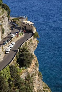 Coffee Shop along The Amalfi Coast Road. I was in Amalfi on Aug 2014 Places Around The World, Oh The Places You'll Go, Places To Travel, Travel Destinations, Places To Visit, Amalfi Coast, Amalfi Italy, Wonderful Places, Beautiful Places