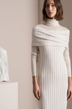See the complete TSE Pre-Fall 2017 collection…. Fashion 2017, Fashion Show, Fashion Design, Short, Knit Dress, Knitwear, Ready To Wear, Winter Fashion, Cashmere