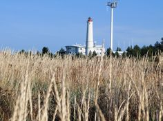 Hailuodon majakka sijaitsee aivan Marjaniemen tuntumassa. Archipelago, Lighthouses, Cn Tower, Finland, Wind Turbine, Trail, Building, Lighthouse, Buildings
