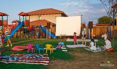 Pregătiți de film în aer liber. #westfield #OutdoorMovie #fun #kids #residential #arad #minions Liberia, Beautiful Stories, Cartier, Park, Parks