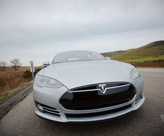 Elon Musk in talks with Google to bring driverless tech to Tesla cars