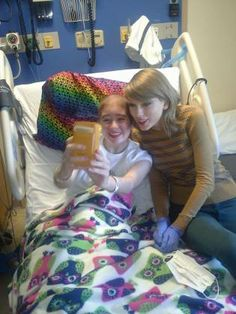 Taylor Swift Visits with Cancer Patients, Inspires Hope and Joy