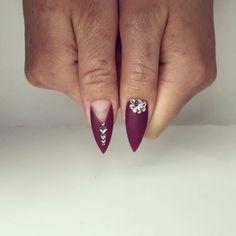 Work with LOVE 😙 #yegnails #❄️#yegnails #closeup # ALL DONE BY FREEHAND PAINTED 😉#edmontonnails #clientview #780nails #edmontonnailtech #cute #fade #edmlifestyle #edm #swarovski #blingnails #acrylicnails #fullset #yegnailtech #lacenails #nails #handpainted #freehanddesign #colors #nailart #no19 #vetrogel #silverleaf #goldleaf #nails #christmas #christmasnails #blackandgoldnails