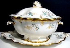 "Royal Crown Derby ""Normandie"" Soup Tureen : Lot 474"