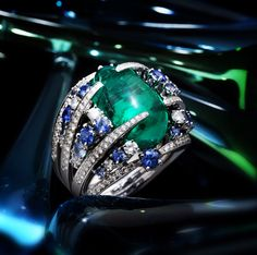 SCAVIA,emerald,sapphires and white gold ring