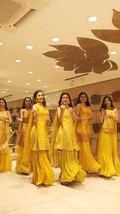 Wedding Dance Video, Indian Wedding Video, Wedding Songs, Wedding Ideas, Indian Bridal Outfits, Indian Fashion Dresses, Indian Wedding Clothes, Indian Clothes, Indian Wedding Photography Poses