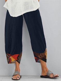 Plus Size Khaki Pants, Umgestaltete Shirts, Mode Outfits, Fashion Outfits, Bandeau Bikini, How To Hem Pants, Pants For Women, Clothes For Women, Ethnic Print
