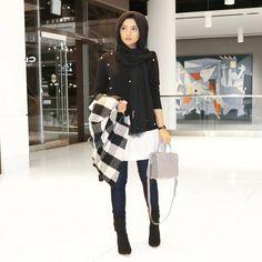 Modern Hijab Fashion, Muslim Fashion, Modest Fashion, Girl Fashion, Uni Outfits, Casual Outfits, Fashion Outfits, African Prom Dresses, Pakistani Dresses