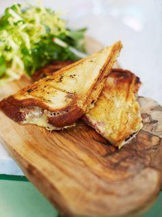 JAMIE OLIVER'S POSH TWO-CHEESE & HAM TOASTIE [Jamie Oliver] [jaffle, breville, toastie]
