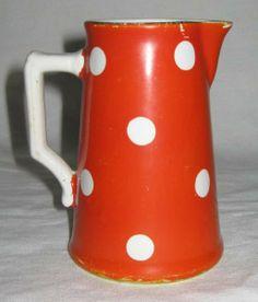 ancien pot lait en m tal maill rouge cr mier broc en mail r tro petit pichet ancien. Black Bedroom Furniture Sets. Home Design Ideas
