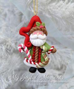 Handcrafted Polymer Clay Santa Claus Ornament par MyJoyfulMoments