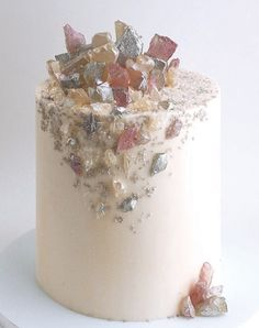 13 Geode Wedding Cake Ideas that are Stunning - PureWow