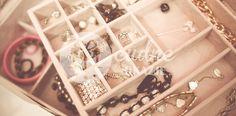 Biżuteria ślubna i dodatki to równie ważny element co sama suknia ślubna. Warto…