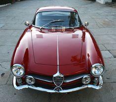 1961 Alfa Romeo Giulietta Sprint Speciale is absolutely beautiful