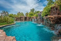 Having a pool sounds awesome especially if you are working with the best backyard pool landscaping ideas there is. How you design a proper backyard with a pool matters. Amazing Swimming Pools, Luxury Swimming Pools, Natural Swimming Pools, Luxury Pools, Dream Pools, Natural Pools, Backyard Pool Landscaping, Backyard Pool Designs, Swimming Pools Backyard