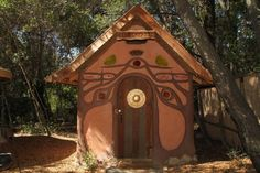 This unique glamping hobbit hut near San Francisco, California, is the perfect weekend getaway for glampers looking for something different.