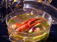 Découvrez la recette Soupe de homard exotique sur cuisineactuelle.fr.