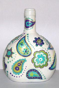 Wine Bottle Vases, Painted Wine Bottles, Diy Bottle, Painted Wine Glasses, Wine Bottle Crafts, Bottles And Jars, Glass Bottles, Coffee Cup Crafts, Altered Bottles