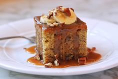 Sticky-Toffee-Banana-Cake-with-Toffee-Sauce