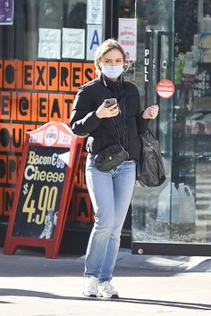 Lily Rose Depp, Model Street Style, Celebrity Outfits, Cover Up, Hipster, Celebrities, Punk, People, Fashion