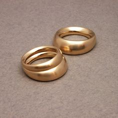 Klara Eriksson: rings, ergonomically designed.