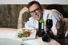 O chef André Barros vai ministrar a oficina de culinária Thai Flavors na República da Saúde, no dia 13 de agosto, a partir das 9 horas. Saiba mais informações sobre os pratos que serão ensinados, formato da atividade e preço das inscrições no site www.arrozdefyesta.net.