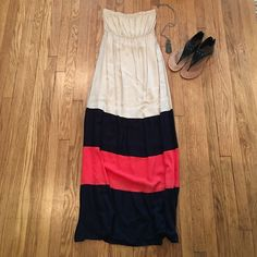 Foreign Exchange color block maxi dress Perfect strapless dress for summer. Light material, can be dressed up or down. Worn once, Size small Foreign Exchange Dresses Maxi