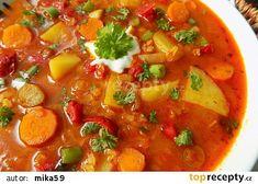 Zeleninový guláš s červenou čočkou recept - TopRecepty.cz Thai Red Curry, Treats, Ethnic Recipes, Fitness, Diet, Red Peppers, Food Food, Sweet Like Candy, Excercise