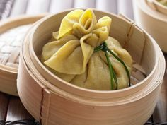 Gedämpfte Teigtaschen mit Paksoi und Tofu gefüllt: Exotische, vegetarische Teigtaschen, die fettarm sind und viel Folsäure liefern.
