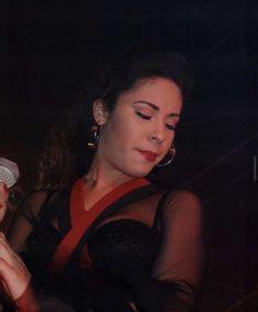Selena Quintanilla Perez, Skin Care, Artist, Beautiful, Queen, World, Skincare, Artists, Show Queen