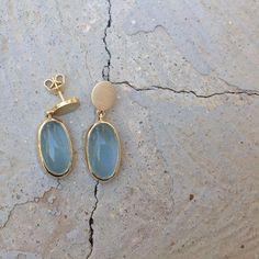 Aquamarine  .  .  .  #עלהמדרכה #אקוומרין #עגילים #עגיליזהב #אקווהמרין #aqua #aquamarine #earrings #aquamarineearrings #ooak#kinfolklifestyle #kingolklife #darling #darlingmovement #darlingweekend #goldearrings #dangles #danglesearrings #dangleearrings #golddangle #oval #ovalearrings #minimalism