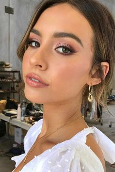 Ide maquillage 2018 2019 emma chen on want to see me recreate this makeup link in my bio 27 ides de maquillage glam et sexy vampire 2019 Best Wedding Makeup, Natural Wedding Makeup, Bridal Hair And Makeup, Wedding Hair And Makeup, Natural Makeup, Bridesmaid Makeup Natural, Winter Wedding Makeup, Summer Wedding Makeup, Simple Wedding Makeup