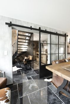 5 Stunning Cool Ideas: Industrial Living Room Architecture industrial office ent… – Most Beautiful Furniture Retro Home Decor, Industrial Bedroom, House Design, House, Industrial House, Rustic Stairs, Industrial Livingroom, New Homes, House Interior