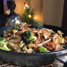 Las mejores recetas fitness y la mejor cocina saludable la encontrarás aquí. Hoy te presento este Wok de verduras con fettuccine konjac