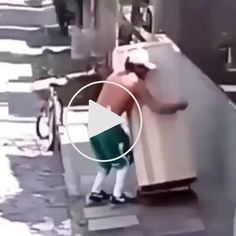 Excuse me what the f**k – Gif Funny Funny Links, Darwin Awards, Reddit Funny, Caption Contest, Excuse Me, Extraordinary People, Funny Inspirational Quotes, Fail Video, Super Funny