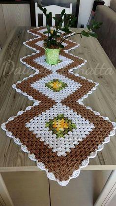 Diy Crafts - -New crochet doilies placemat rugs Ideas crochet Crochet Table Runner Pattern, Crochet Placemats, Crochet Quilt, Crochet Motif, Crochet Doilies, Crochet Flowers, Crochet Square Patterns, Crochet Squares, Crochet Designs