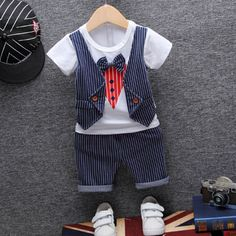 Baby Girl Jeans, Girls Jeans, Communion Hairstyles, Kids Dressers, Baby Accessories, Kids Wear, Baby Dress, Adidas Sneakers, Rompers